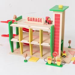 """Garage """"dans la ville""""..."""